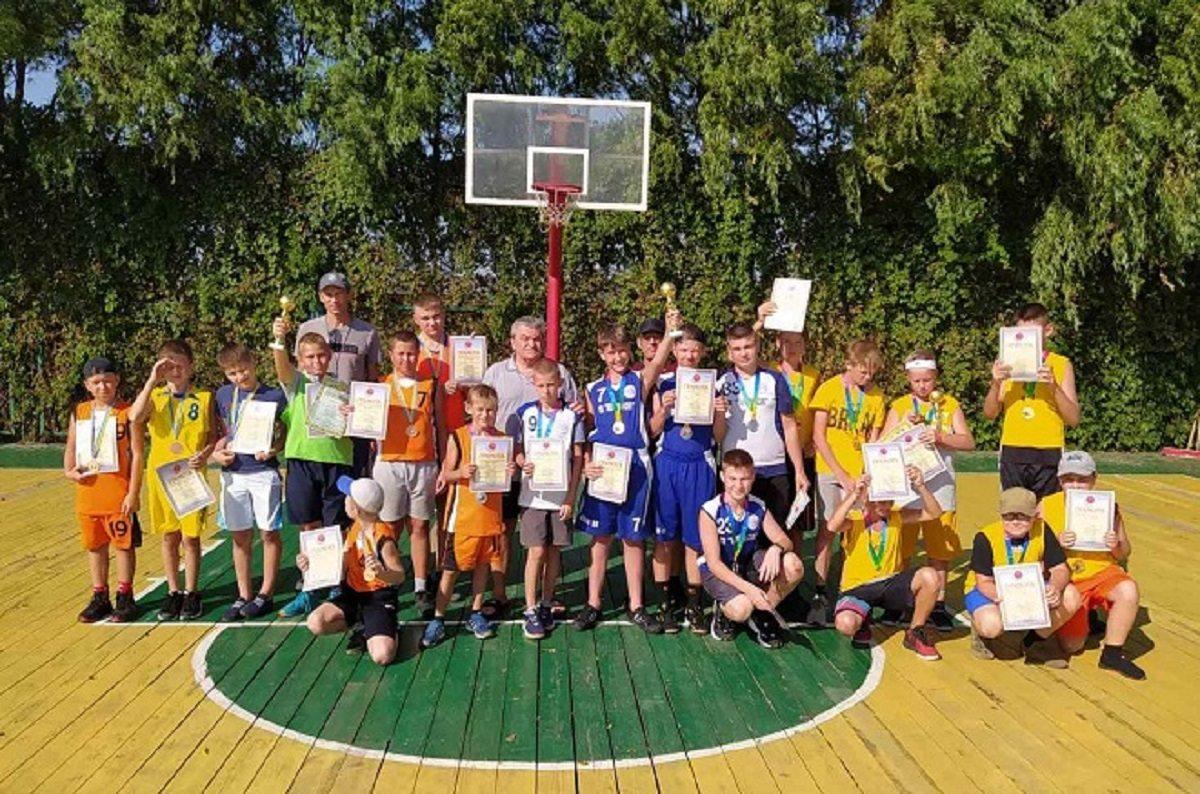 Херсонські школярі стали призерами міжобласного турніру з баскетболу