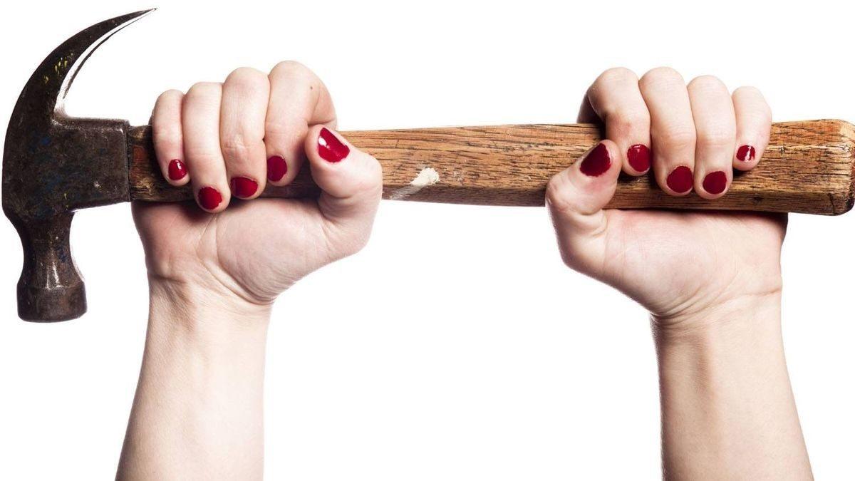 На Херсонщине девушка избила родную бабушку молотком из-за наследства