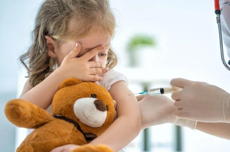 Почему прививки от полиомиелита особенно важны