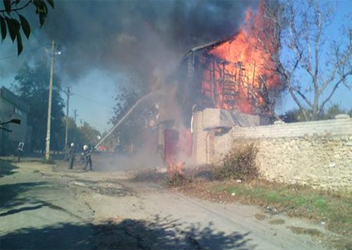 В Херсоні п'ять годин гасили пожежу