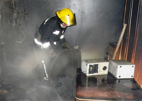 Каховські рятувальники загасили пожежу у житловому будинку