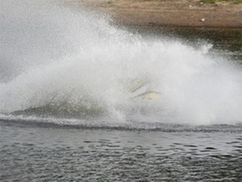 В Херсоне разбилась лодка с пассажирами