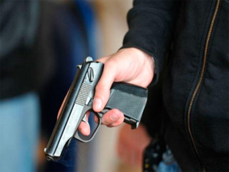 В Херсоне подростки стреляли в женщину с ребенком