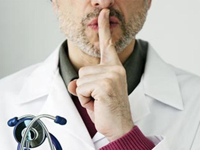 Медики на Херсонщине выслушивают сомнительные истории