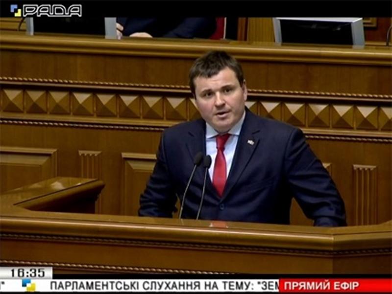 Херсонського губернатора звинуватили у брехні з парламентської трибуни