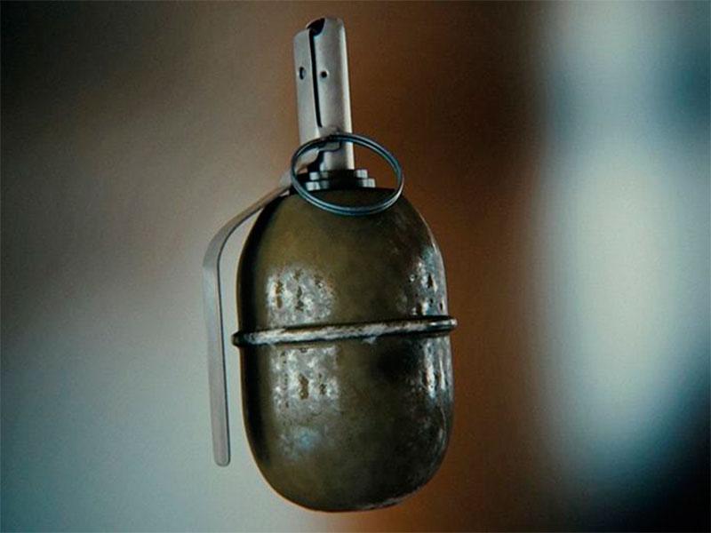 Почему в Геническе взрываются гранаты?