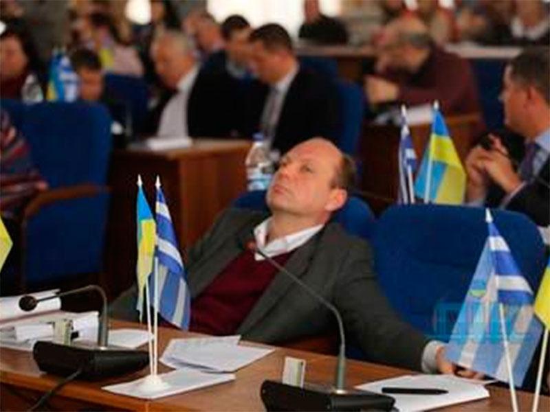 Депутат горсовета Артем Кияновский: Это нож в спину или что-то другое?