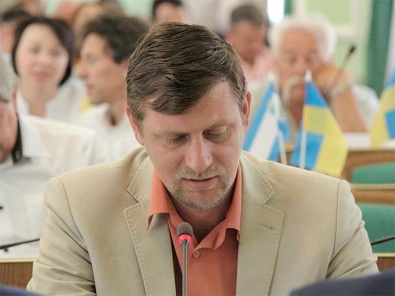Бывший чиновник Херсонской ОГА о бюджете и дорогом автомобиле