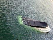 На Днепре у Херсона перевернулась лодка с рыбаком