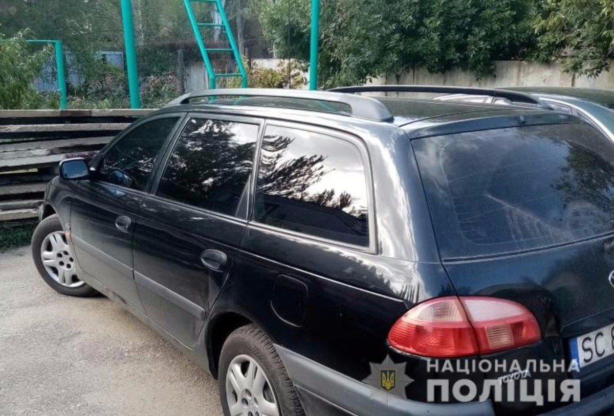 На Херсонщине пьяный водитель на иномарке сбил 7-летнюю велосипедистку и скрылся