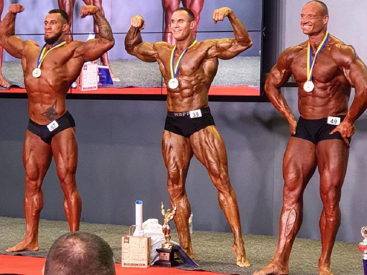 Херсонские спортсмены завоевали высокие награды на чемпионате Украины по бодибилдингу, фитнесу и атлетизму (фото)