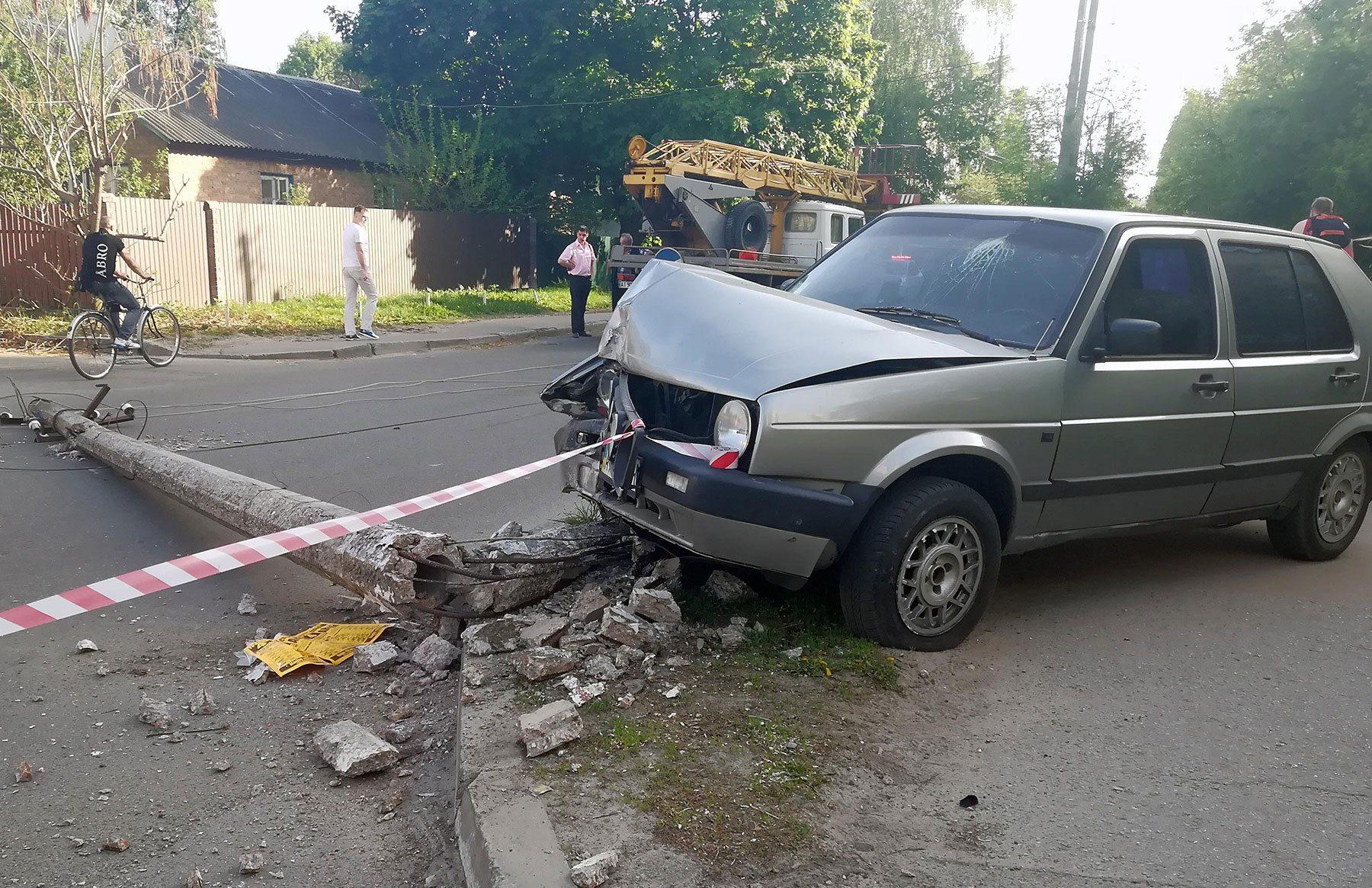 На Херсонщине неосторожные водители оставили людей без света