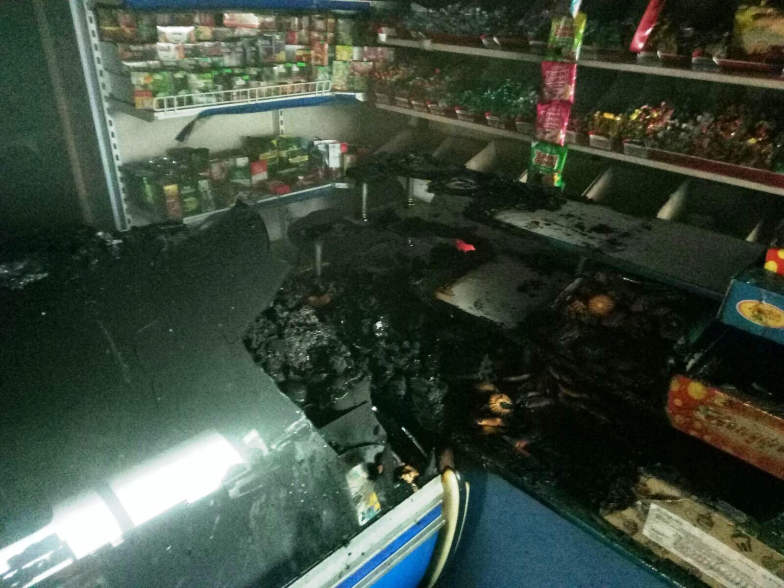 На Херсонщине возник пожар в продуктовом магазине