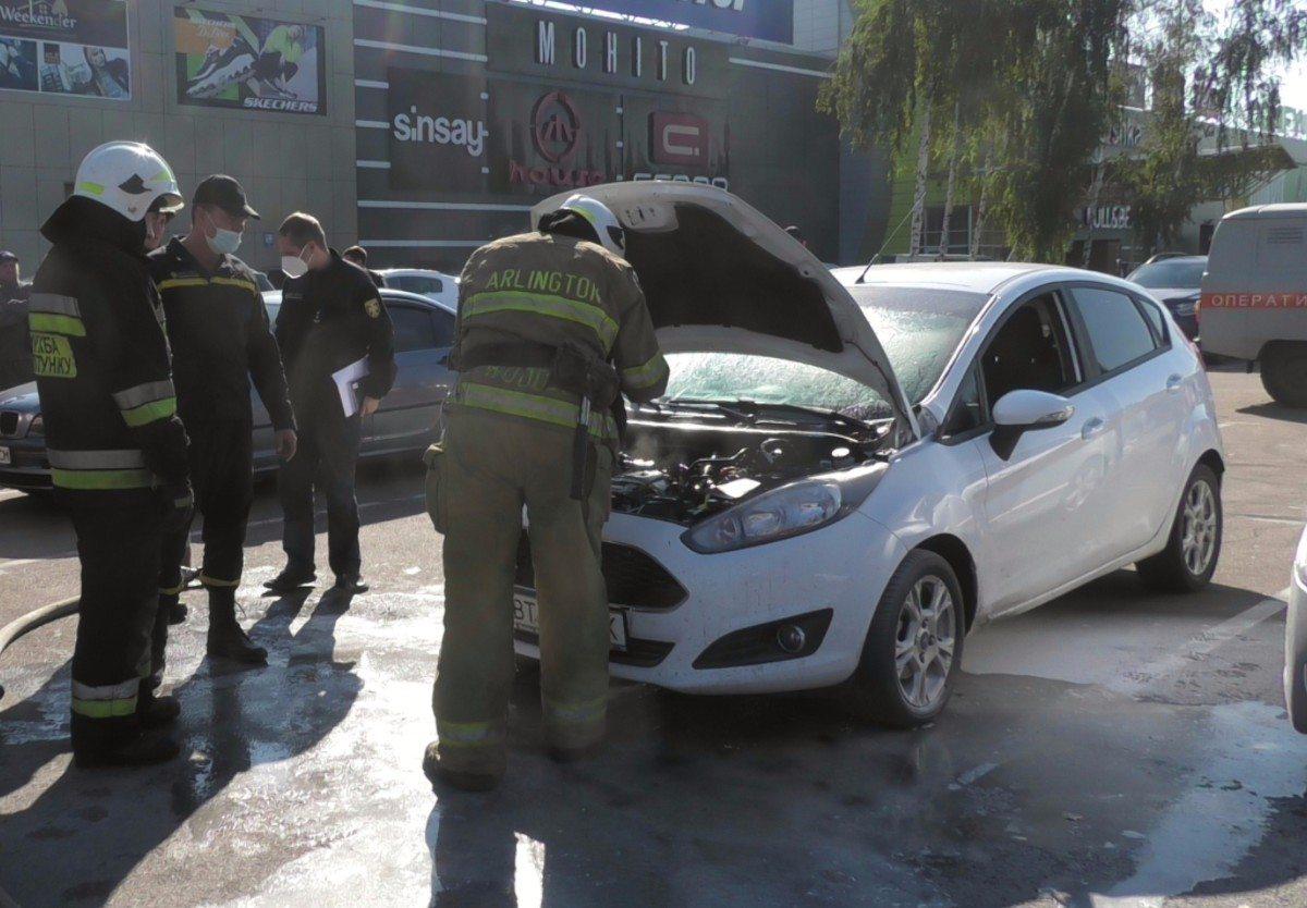 Херсон,пожар,автомобиль