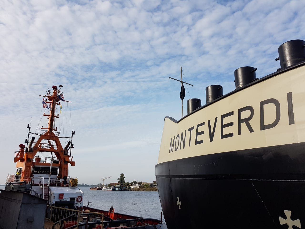 Танкер, построенный на Херсонской верфи Smart Maritime Group, отправился в свое первое водное путешествие