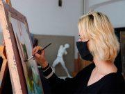 Юних митців з Херсонського держуніверситету надихає осінь