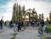У Генічеському районі за американські гроші встановили велосипедну альтанку