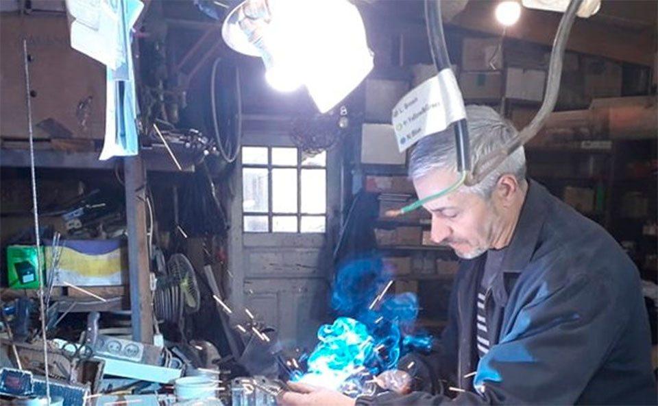 На Херсонщині майстер створює скульптури з металобрухту