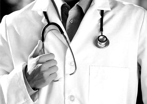Лікар помер у лікарні