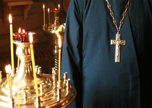 В селе на Херсонщине священник пытался задушить прихожанина