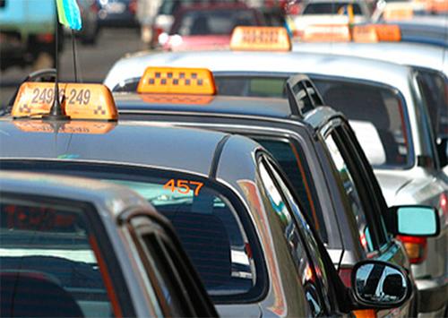 Херсонських таксистів хочуть легалізувати