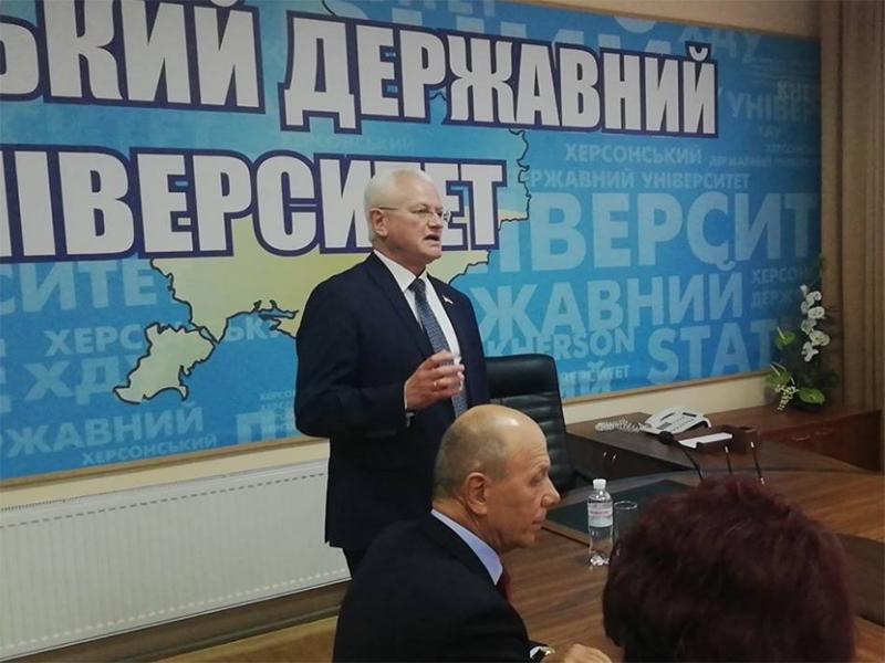 Співаковський провів зустріч з представниками профспілок закладів освіти Херсона