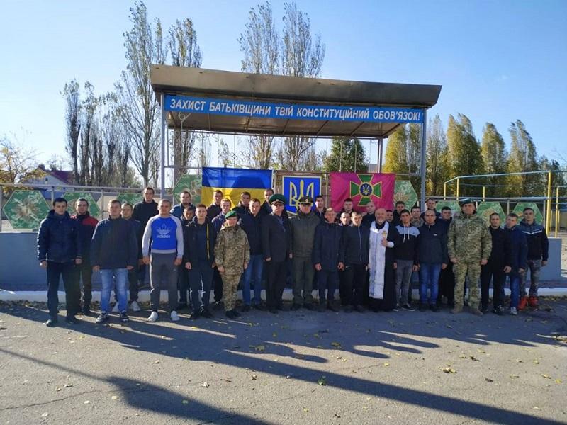 Прикордонники Азово-Чорноморського управління направили строковиків навчатися на собаководів