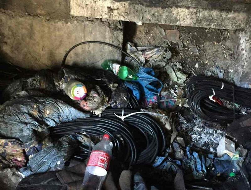 В Каховке задержали ранее судимого, вырезавшего кабель в 30 подъездах