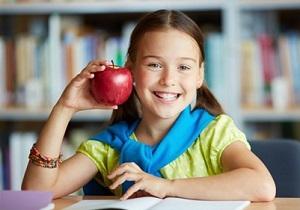 Компанія депутатки Херсонської міської ради годує майже 90% школярів Херсона?