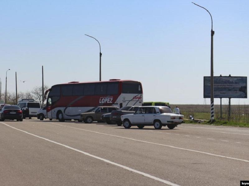 Нелегальные перевозки на границе с Крымом – недоработка СБУ, - министр инфраструктуры Криклий
