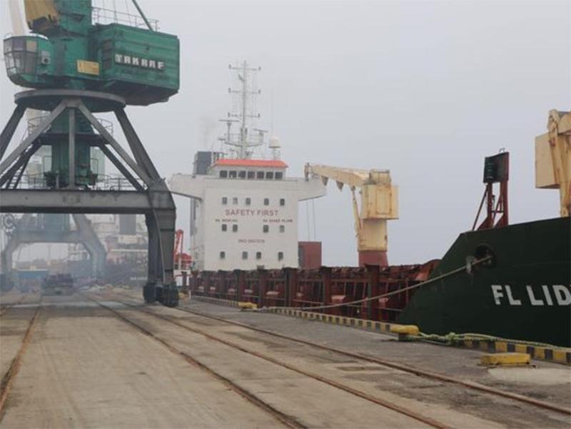 Песок в порту Херсона контрабандный?