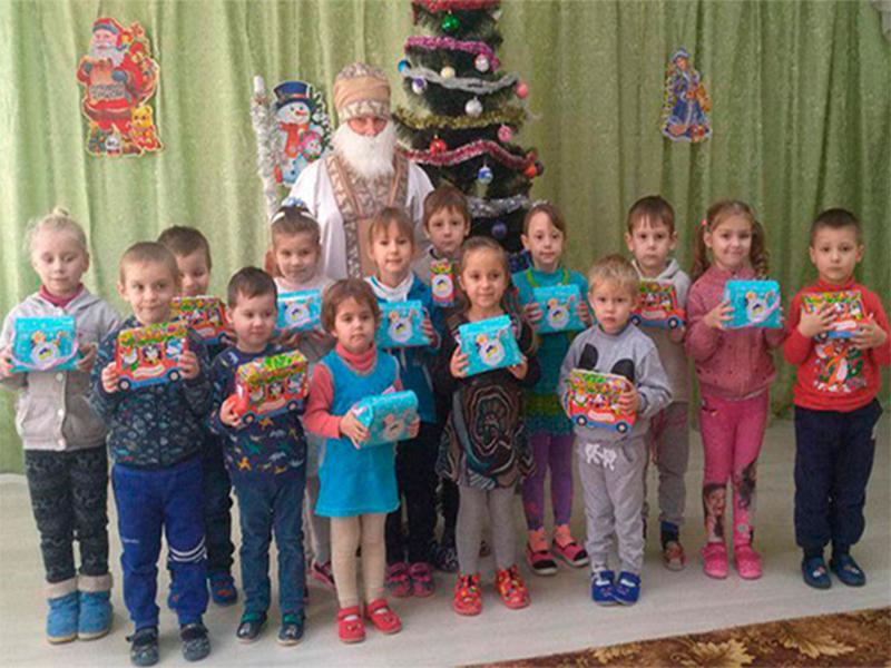 До дня Святого Миколая діти Херсонщини отримали подарунки від Благодійного фонду Ігоря Колихаєва