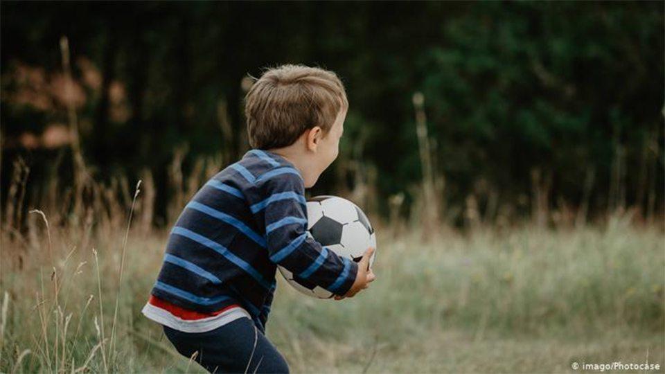 В Херсоне малыш пострадал от мяча