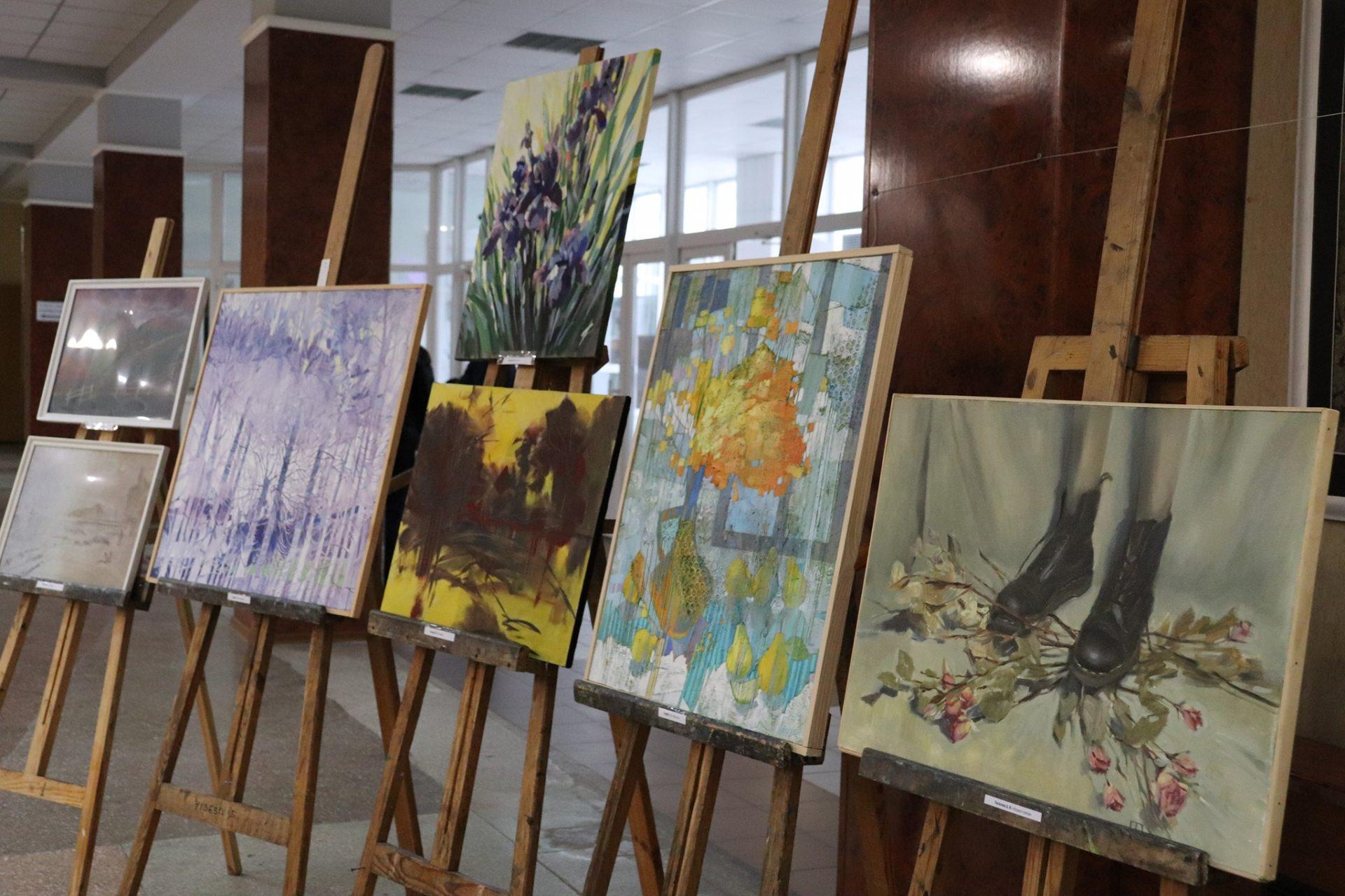 Художня виставка у Херсонському держуніверситеті