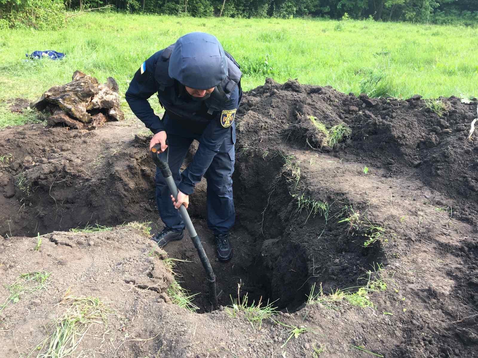 На Херсонщине уничтожили старые боеприпасы