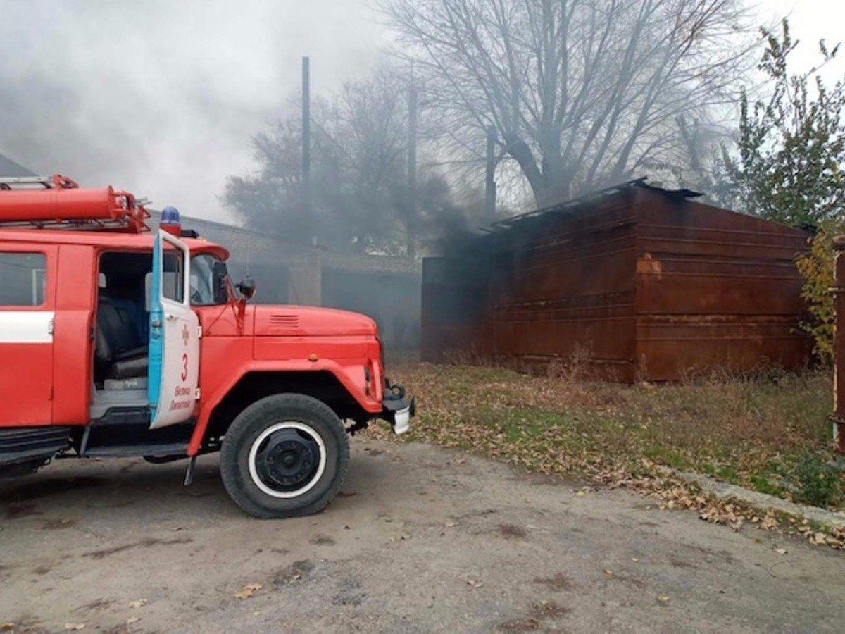 На Херсонщине горел склад с дровами