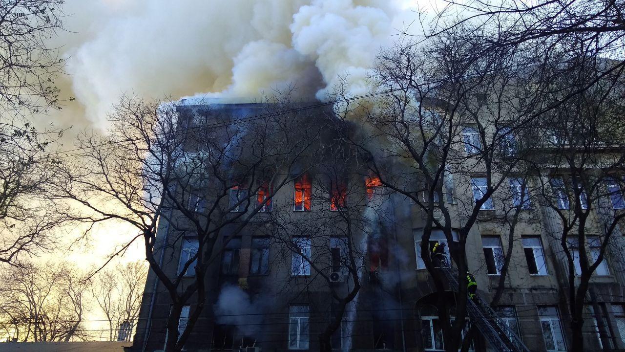 На Херсонщине случилось четыре пожара из-за аварий в электросетях