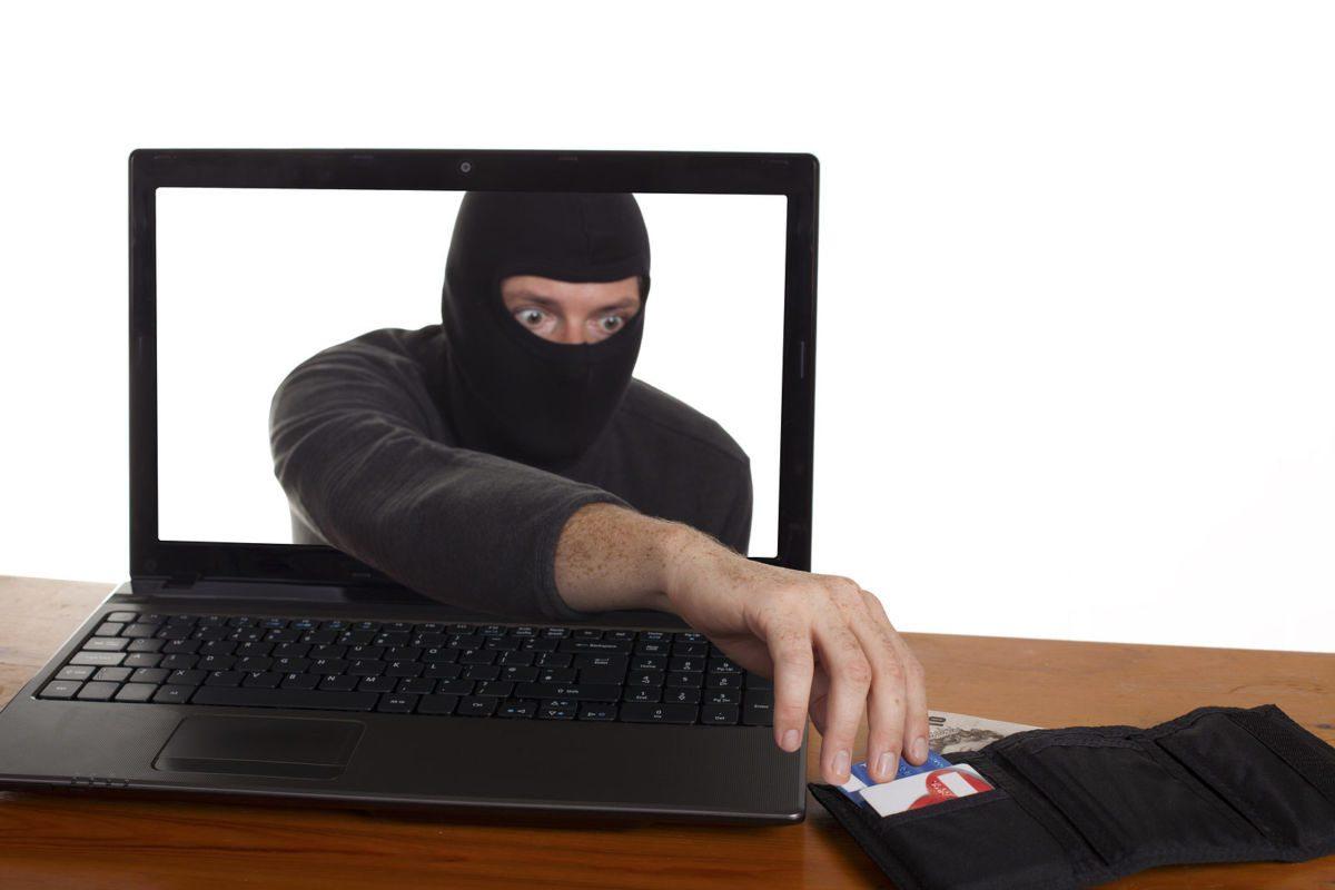 На Херсонщине две женщины стали жертвами интернет-мошенников