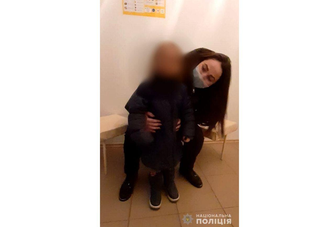 В Херсоні у недбайливої матері вилучили трирічну дитину