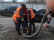 В Херсоне заканчивают ремонт аварийного канализационного коллектора на Северном