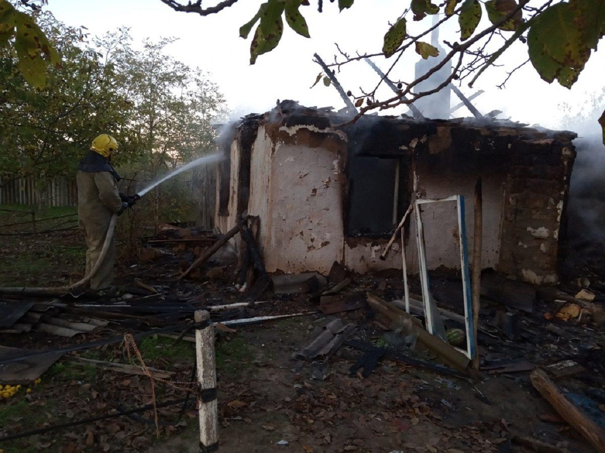 На Херсонщине пожар полностью уничтожил сельский дом