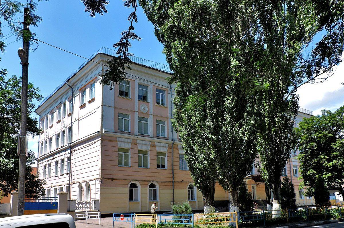 В Херсоне третий раз сообщили о минировании гимназии