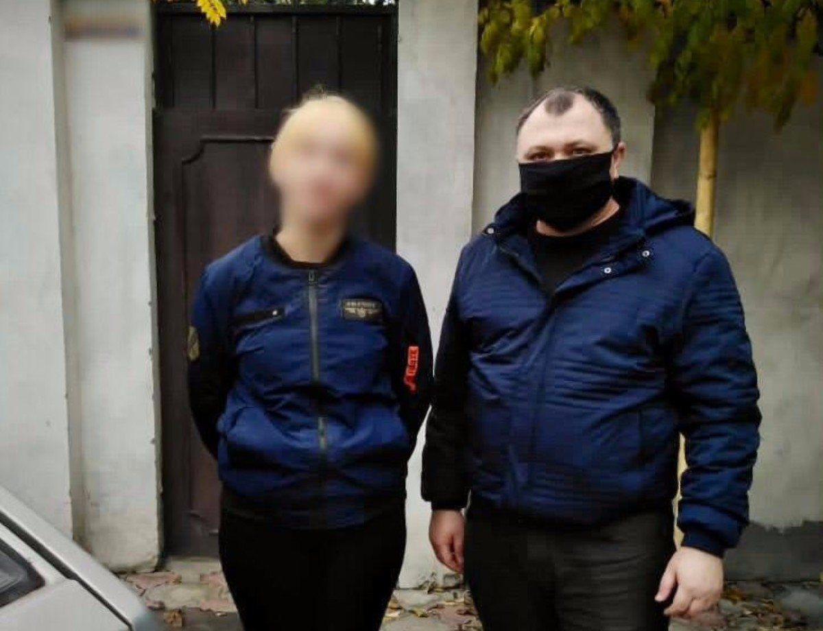 Херсонские полицейские разыскали 13-летнюю девушку, которая сбежала из дома на свидание к парню
