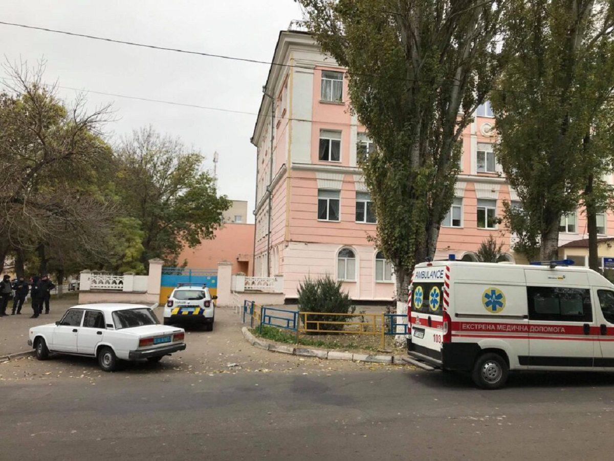 Ложные минёры четвёртый день терроризируют гимназию в Херсоне