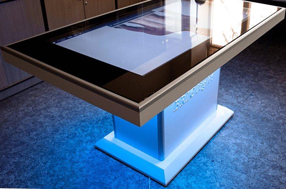 У Херсонському держуніверситеті з'явився інтерактивний анатомічний стіл