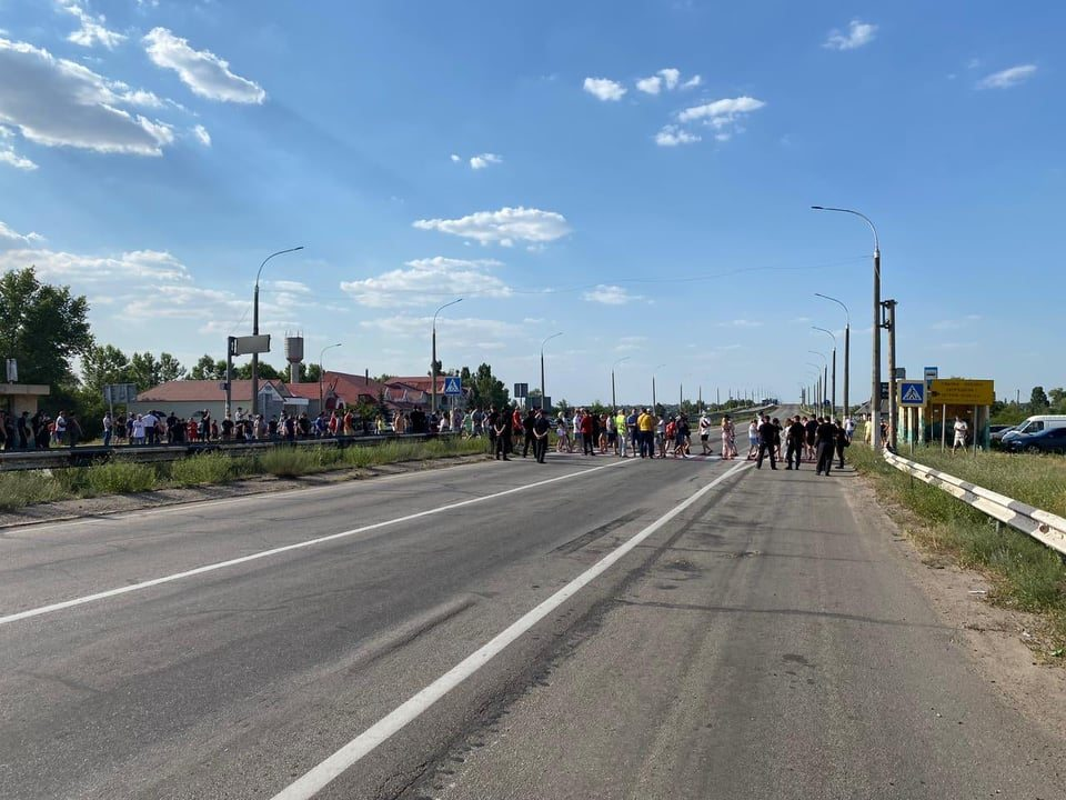 Херсонские предприниматели собираются перекрывать мост через Днепр