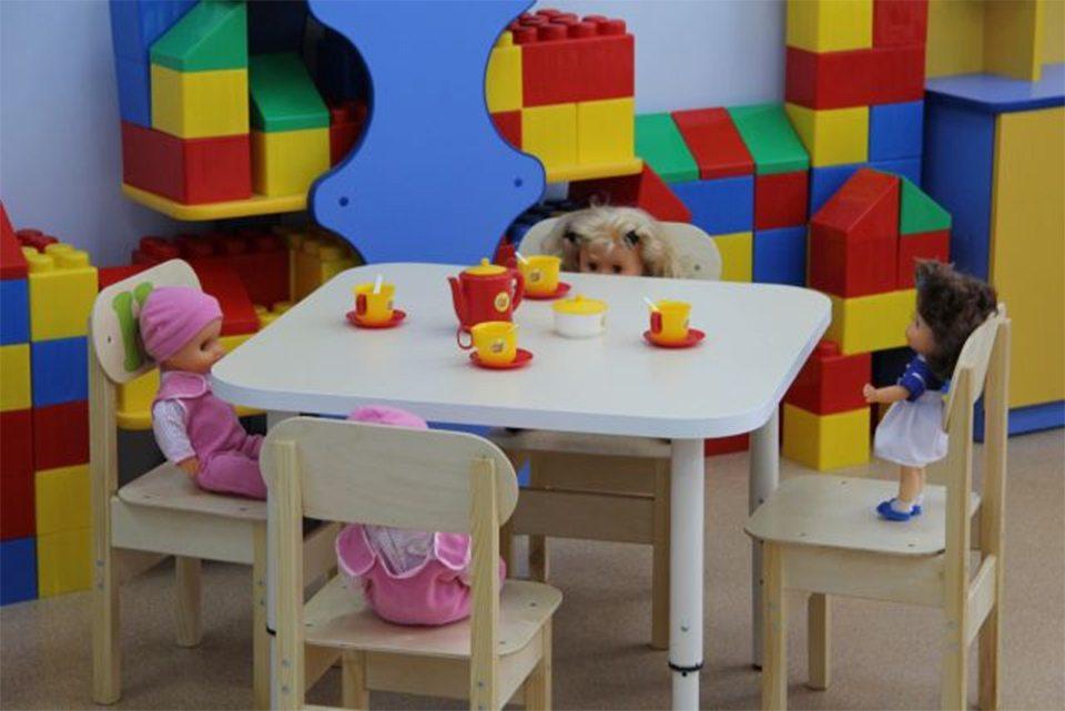 Кабмин ограничивает работу школ и детсадов, уменьшая количество детей в классе