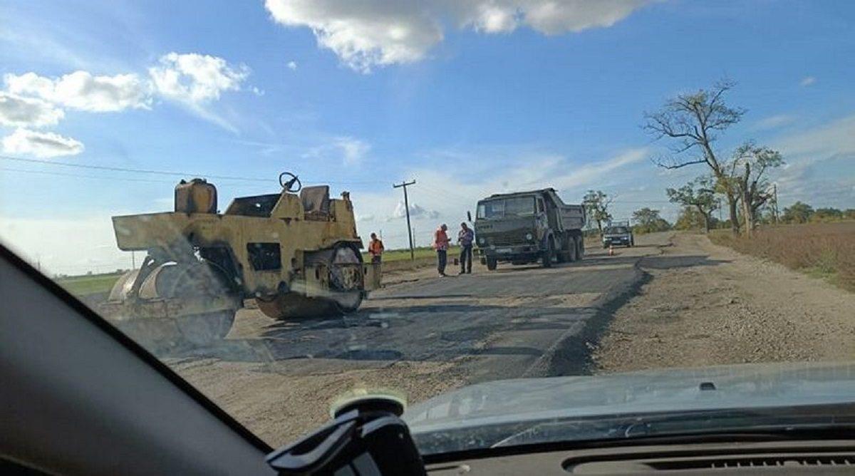 После выборов на Херсонщине остановили ремонт проблемной дороги