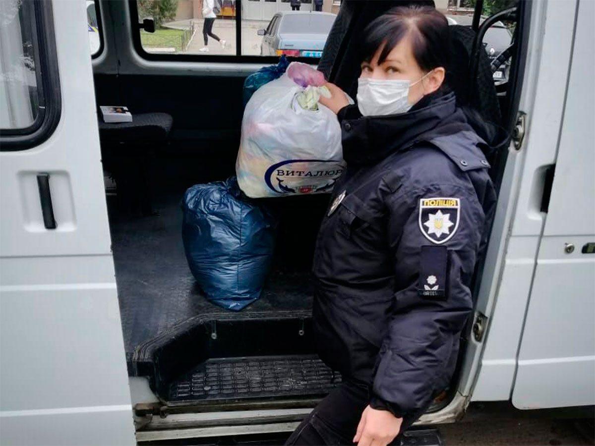 На Херсонщині поліцейські долучаються до благодійництва