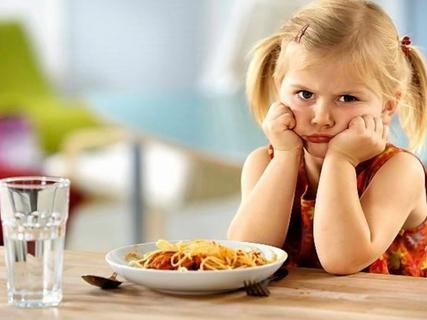 В школах Херсонщины не хватает посуды